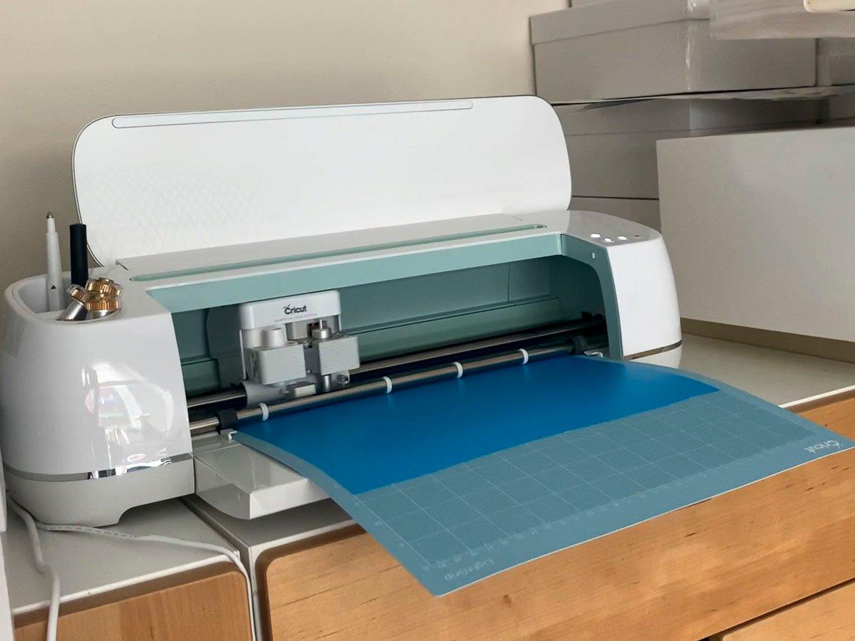 Cricut Maker cutting Oracal 813 stencil film on light grip cutting mat